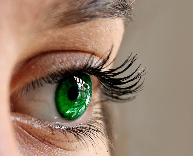 zelené oko