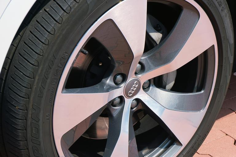 Koleso na aute, Audi
