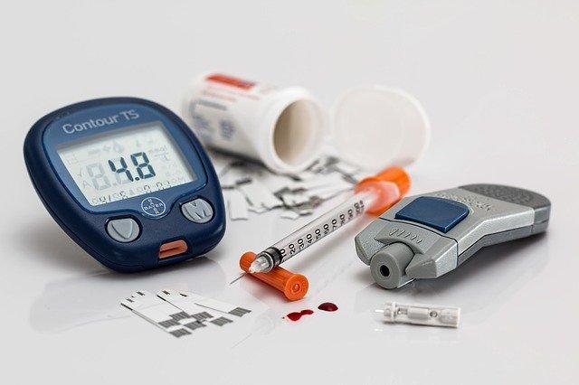 Prístroj na meranie hladiny cukru v krvi.jpg